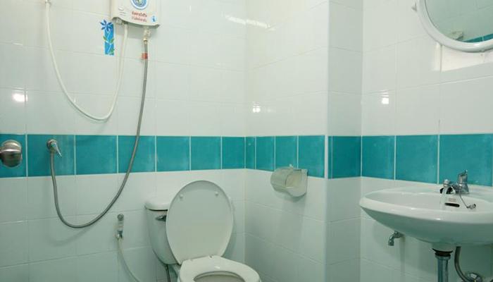 Huay Kaew Residence Bathroom